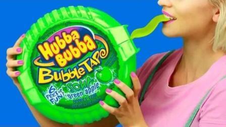 食物恶作剧: DIY巨型糖果VS迷你糖果, 闺蜜这次又玩什么新把戏?