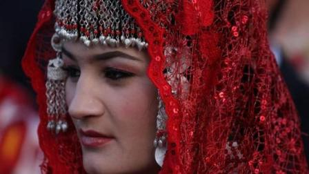 中国唯一的纯血统白种人, 为了保证血统纯正不能和外族结婚