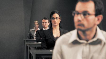【看电影】6分钟看完高智商电影《终极面试》, 一部招聘版的绝地求生大逃杀