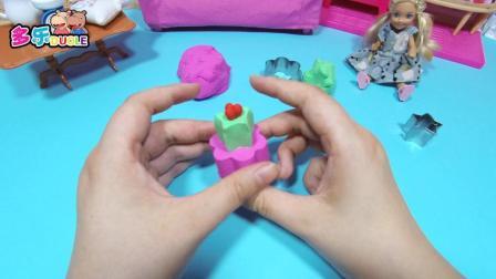 芭比来了  芭比之神奇的沙子蛋糕模型 芭比之神奇的沙子蛋糕模型