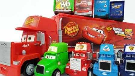大卡车带来赛车总动员玩具寻找赛道热身