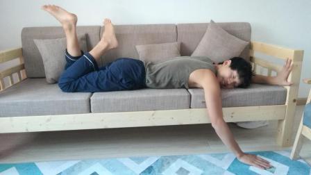 《这! 就是三人沙发》小哥网购实木客厅组合家具, 自己动手安装全过程!