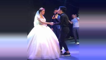 婚礼现场, 伴郎一首歌把新娘拐跑了, 赶紧回家练歌去了