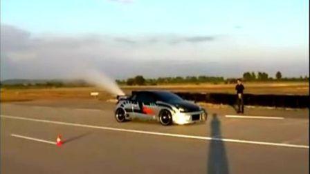 加了氮气加速器的赛车