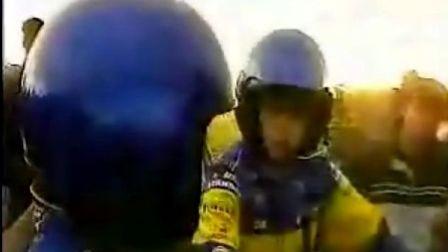 拉力赛车翻车视频