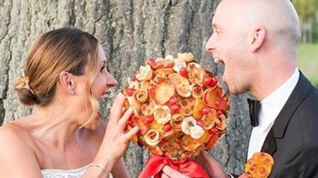 芒果撞地球 美餐厅推出可食用披萨婚礼捧花