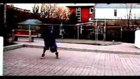 世上最小的 街球高手