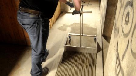 农村小伙发明铺瓷砖神器, 日铺300平方米效率翻倍, 50块钱造一个