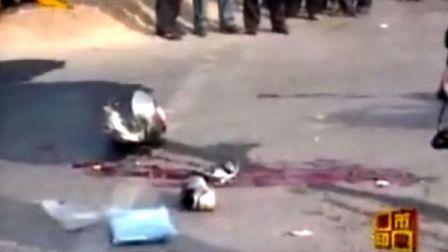 摩托车闯红灯撞车,2人当场死亡