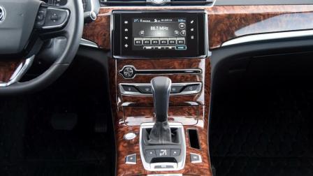 价格不贵的中大型轿车! 车长超5米, 外观内饰吸引眼球