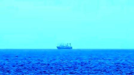 """2008年1月12日:绿色和平""""锁定""""日本捕鲸船"""
