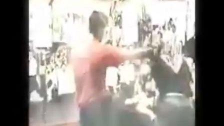 西方目前公认最强的格斗术—咏春拳(爆强!!!)