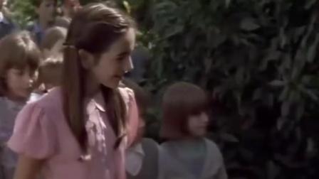 回到神秘园 春暖花开 花园开放孩子嬉戏 CUT 6