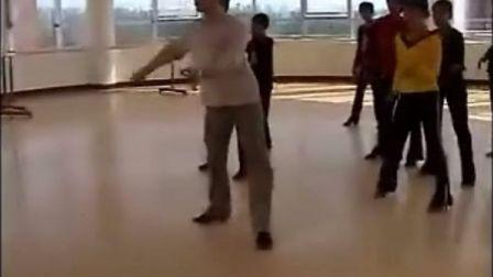 伊万先生在郑州艺术学校教学片段伦巴舞基础训练之二