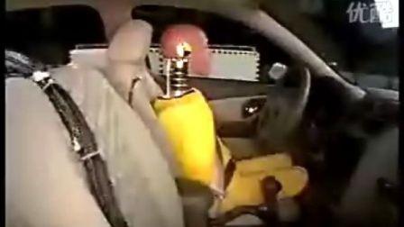 雪佛兰汽车碰撞测试