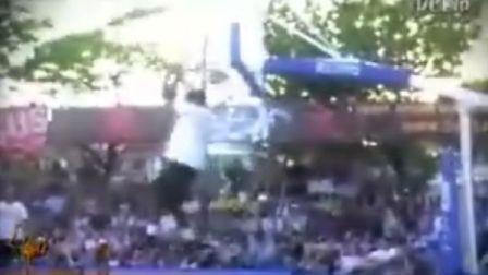 扣篮狂人们在Sport Arena2008街球赛疯狂表演