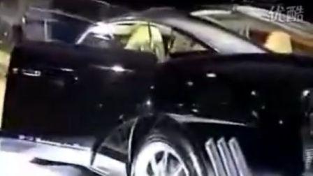 世爵黑色SUV车展视频