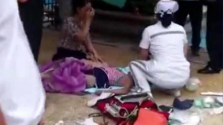 母亲低头玩手机未知孩子溺水