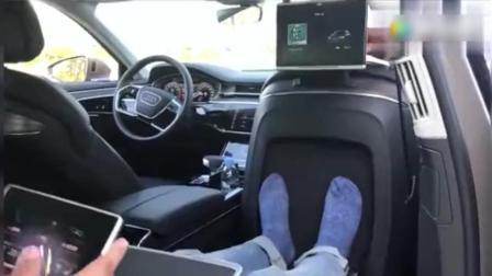坐进全新奥迪A8L, 李老鼠赞不绝口! 豪车贵有贵的道理啊