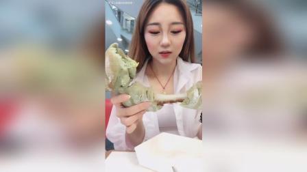 美拍视频: 抹茶麻薯欧包#吃秀#