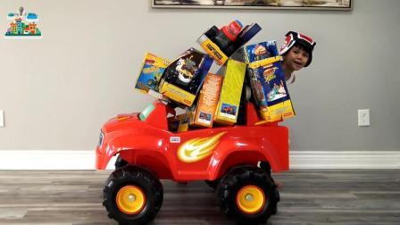 小宝宝怪物汽车里装着好多小的怪物汽车, 追风亲子游戏