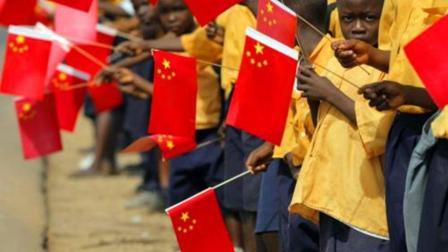 人民币在非洲火了, 14个国家力挺中国, 美国不想看到的事发生了