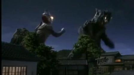 迪迦奥特曼: 迪迦被怪兽吸取能量, 加油迪迦干倒他