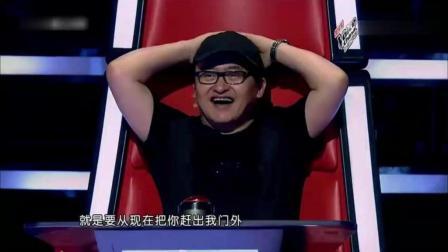 刘欢也忍不住转身了, 转身过后双手抱拳, 唱得太有力量了