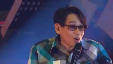 香港乐坛大佬演唱《点指兵兵》, 谭咏麟 钟镇涛站在旁边和声