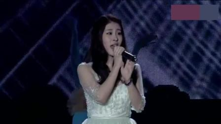 4年前她拿下中国好声音冠军, 听完这个现场你会被她的唱功折服!