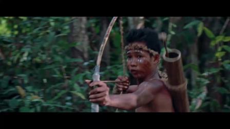 《荒野女囚》  性感女囚霸气反抗 殊死火拼土著人