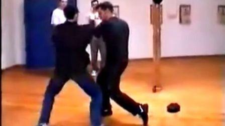 【侯韧杰  JKD  精华篇】之  截拳道的后来人 汤姆!