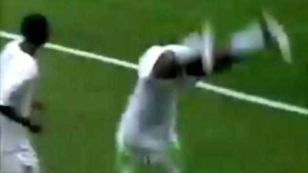 【粉红足球】爱翻跟头的尼日利亚前锋阿加霍瓦