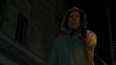 夜幕低垂, 布鲁斯·威利斯化身神秘城市英雄, 伸张正义