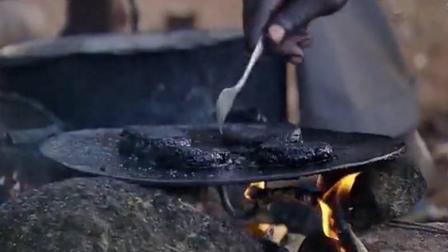"""非洲当地特色""""蚊子饼"""", 你可能看一眼就会吐, 太恶心了"""