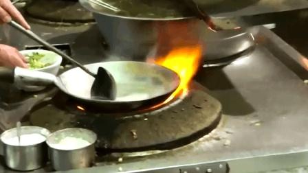 """西安最""""邋遢""""的饭庄, 300年不刷锅, 生意却异常火爆!"""