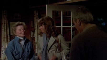 《金色池塘》父女相见气氛尴尬,恰尔茜带回了儿子比利,小家伙一点也不客气
