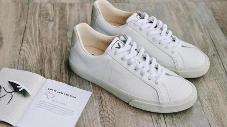 小白鞋好看不好洗? 只需洗洁精小苏打再加上它, 轻轻松松洗干净