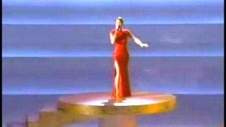 2001年CoCo李玟在美国奥斯卡颁奖典礼高唱《月光爱人》