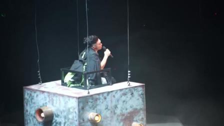 陈奕迅演唱会, 唱了这首《人来人往》好听的男中音, 观众掌声不断