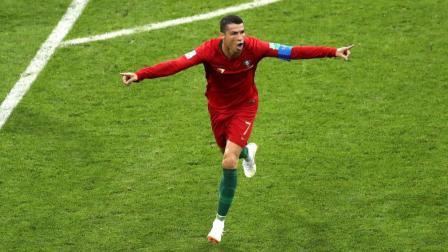 2018俄罗斯世界杯葡萄牙3-3西班牙,C罗戴帽科斯塔二球。