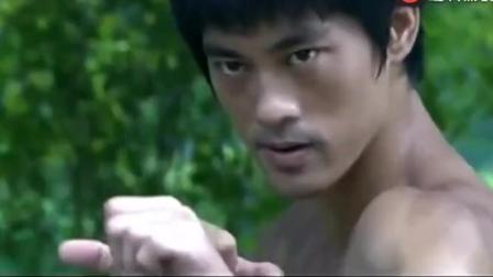 泰国拳王全身缠满铁片挑战李小龙, 打完后默默地走了