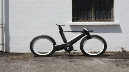 24岁大学生发明光速行车, 没有链条靠什么前进