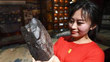 贵州女孩收集陨石成瘾, 多次穿越戈壁, 5年捡回600多块!