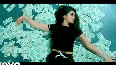 [Movlog]土豪姐姐带着两沓美元大钞在地下车库撒钱