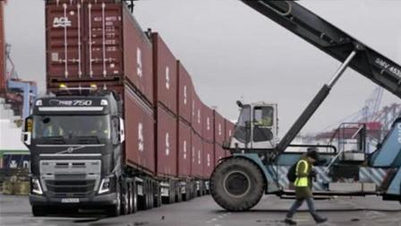 """这辆""""怪兽""""能轻松拖动750吨的货物, 哪来的自信挑战?"""
