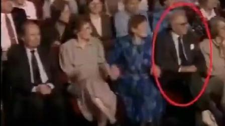 老人二战中挽救669个孩子, 50年后瞒着老人偷偷安排他们坐在一起, 下一幕感人了!