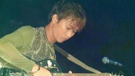 BEYOND92年台湾节目 , 黄家驹一句话得罪了整个娱乐圈。