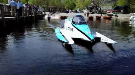 时速142公里! 捷豹V20E打破电动快艇航速纪录
