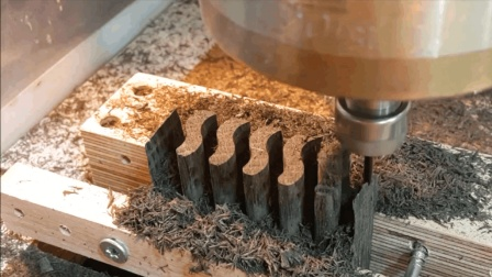 难怪传统木工没人干了, 现在用机器的效率, 也不知道翻了多少倍